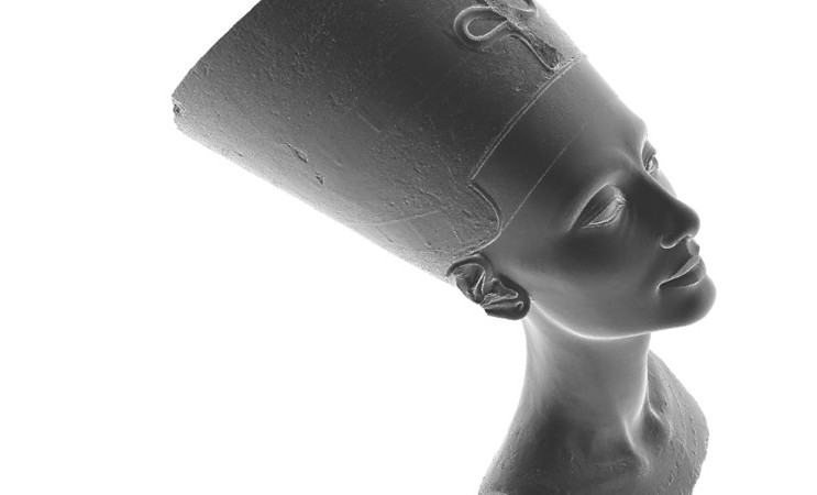 3D reconstruction of the Nefertiti bust.  Source: nefertitihack.alloversky.com